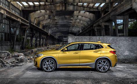 2018-BMW-X2-AutoGeeks